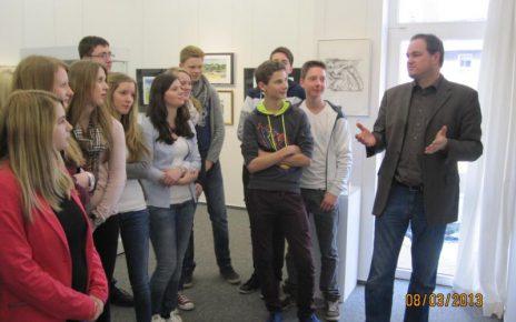 IMG 2352 800x600 464x290 - Schüler staunen in der Günter Grass Ausstellung