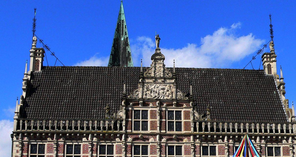 Historisches Rathaus Bocholt 1210x642 - Kunst - Geschichte Bocholt : Historisches Rathaus & Europabrunnen