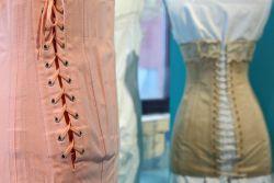 """Textilmuseum Reiz und Scham - Kunst in Bocholt - Das Textilmuseum """"Alte Spinnerei Herding"""""""