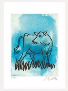 Die blaue Kuh seitwaerts blickend 223x300 - Die blaue Kuh - Armin Mueller-Stahl