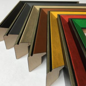 ARTNETWORK Bocholt Schnittleisten 2 300x300 - Schattenfugenrahmen - der Rahmen für Gemälde